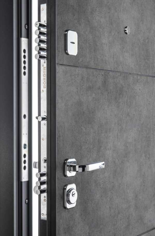 Входные двери Porta M-3 П50 Dark Concrete снаружи